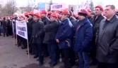 Ukraine`s Southeast seeks to restore constitutional order, thousands gather in Kharkov