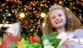 Russian MPs seek nationwide ban on child beauty pageants